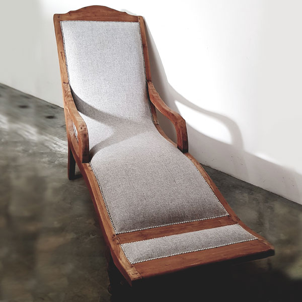 English Oak Lounger - <p style='text-align: center;'>R 650</p>