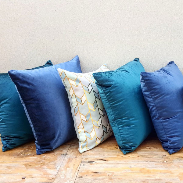 Scatter Pillows - Blue - <p style='text-align: center;'>Medium - R 40<br />