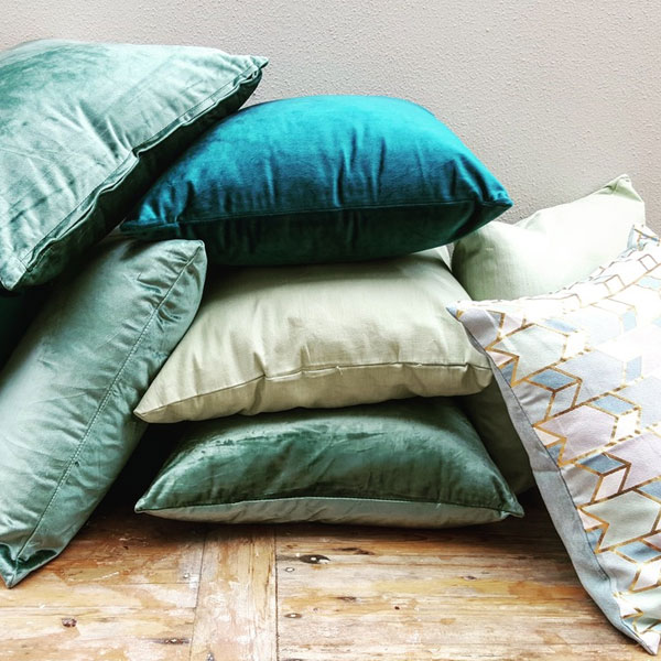 Scatter Pillows Green - <p style='text-align: center;'>Medium - R 40<br />