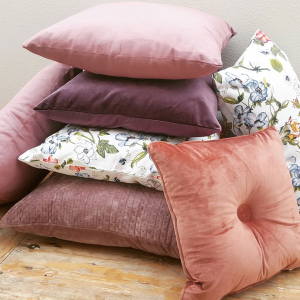 Scatter Pillows - Purple - <p style='text-align: center;'>Medium - R 40<br />